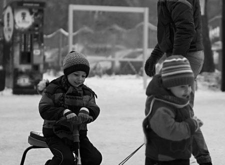 Cosa ci insegna Maria Montessori sull'educazione e lo sviluppo delle competenze nei bambini.